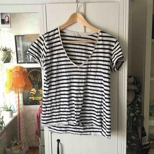 Snygg urringad T-shirt från Zara