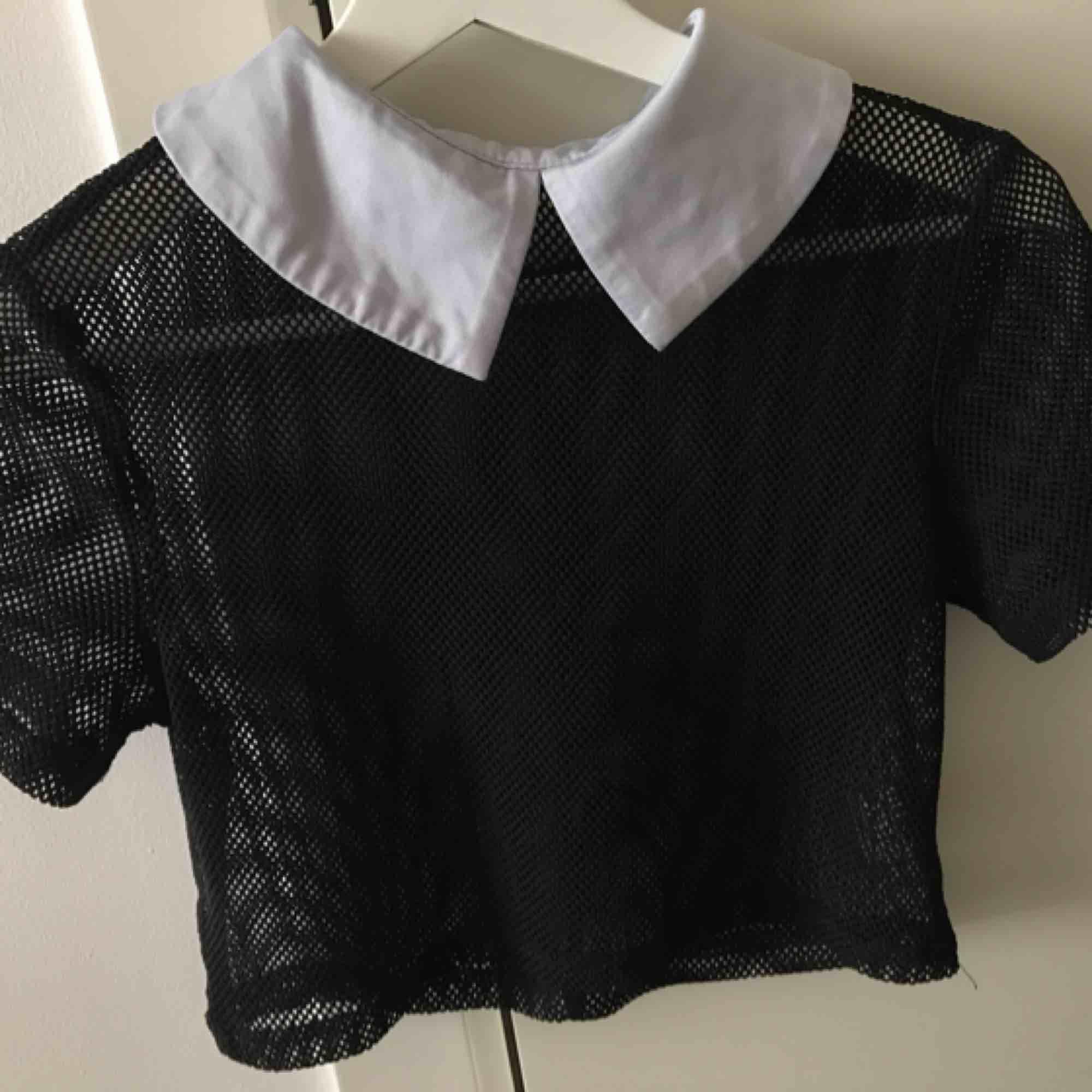 Killstar-klänning som är i två delar. Använd ca 2-3 gånger endast. Nypris 45£. Delarna säljs ej separat! Köpare står för fraken. . Klänningar.