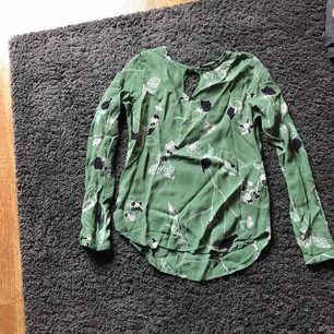 Grön blus från Vero Moda