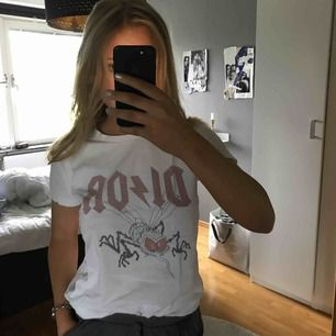 Ball t-shirt ifrån doctor fake, köpt på two angels i göteborg! Kan fraktas💕