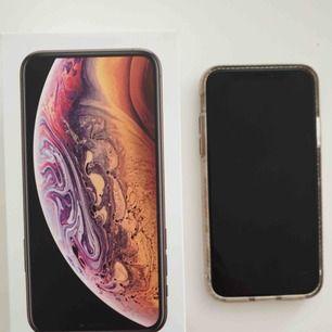iPhone XS 256 GB säljes, använd i några månader, inköpt 2018-11-30 kvitto finns.