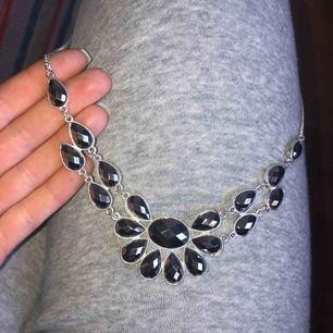 Halsband från ur och Penn köpt för 79 kr. Aldrig använt. Kan frakta om man står för kostnaden