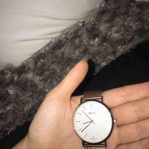 Princip oanvänd fin klocka från Regal, inga skador eller repor!