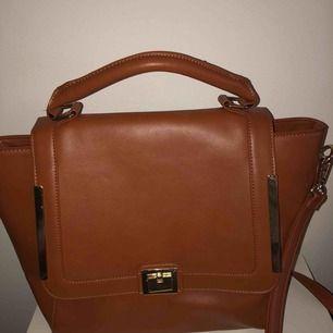 Åhléns väska, använd 1 gång Priset är inkl frakt. Skriv för fler bilder