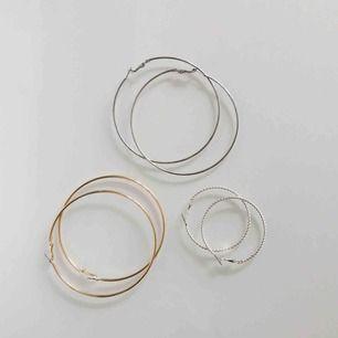 Oanvända örhängen (minns ej var jag köpt dom, de stora silvriga är använda en gång!) - priset är inklusive frakt✨