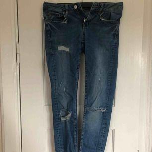 Jeans ifrån Gina Tricot ✨ DM för bättre bilder