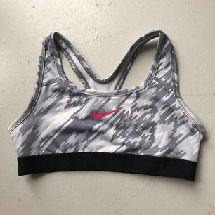 Sport bh ifrån Nike, super bra skick!!
