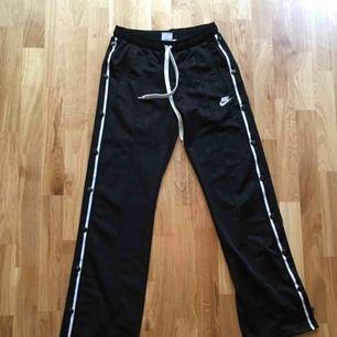Popper pants