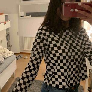 Rutig tröja från H&M, kommer ej till användning