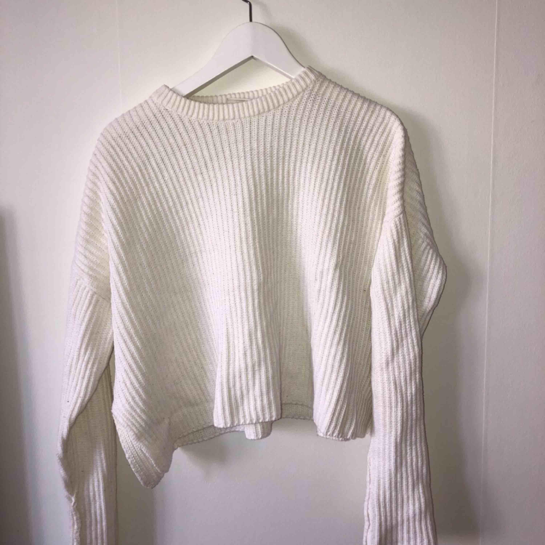 Fin vit tröja, allt jag säljer är i fint skick!. Tröjor & Koftor.