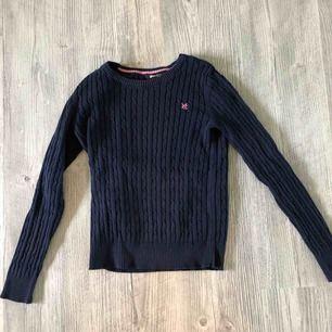 Skön marinblå tröja från ginatricot. Inte så mycket använd så i bra skick! Möts upp i linköping eller så står köparen för frakt ❤️❤️