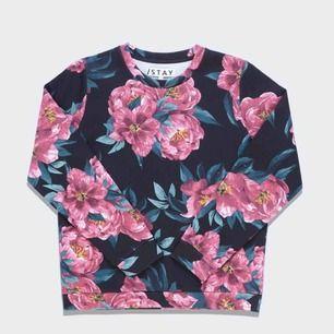 Supersnygg tröja från Carlings. Bilder lånade från deras hemsida. Använd ett par gånger, som ny!