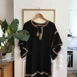 Jättefin klänning från Zara, inköpt förra sommaren. Perfekt till vardags eller på stranden