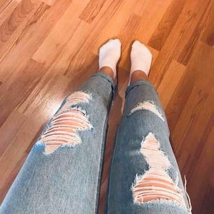 Slitna Boyfriend jeans   Frakt tillkommer