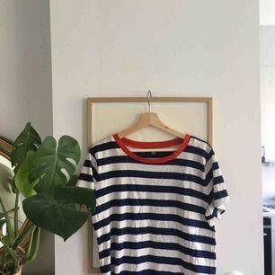 Jättefin trendig tröja från COS