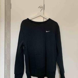 Vintage Nike sweater i storlek L. Fint skick! Fraktar naturligtvis.