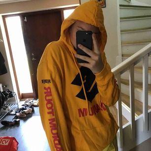 Från Justin Bieber-kollektionen på H&M. Så jävla snygg. Den är lite liten för mig därför säljer jag den <3 Hör av dig så får du veta mer <3