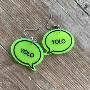 Neongröna örhängen som aldrig är använda Frakt tillkommer på 9kr