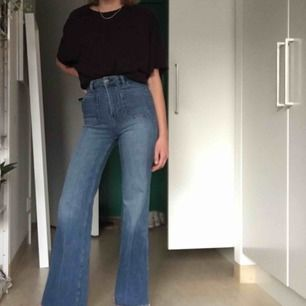 Utsvängda jeans från H&M, avklippta längst ned
