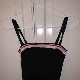 Bershka linne i storlek xs, aldrig använt!