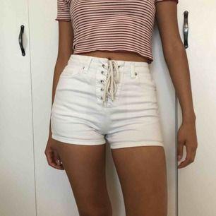 Snygga shorts i fint skick, knappt använd pga för liten:( TYVÄRR