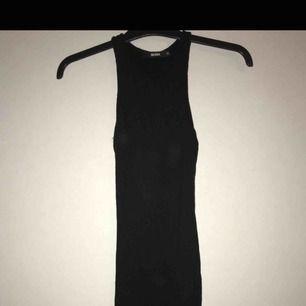 Knälång klänning