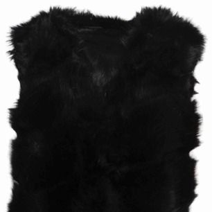 Säljer svart fusk-päls väst!! Köpt från Miinto för 599kr!  Använd ett par gånger men är i fint skick!  Kan skicka egna bilder om så önskas.  Frakt tillkommer!