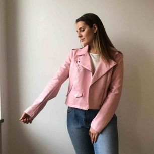 Pink faux biker leather jacket / Rosa konstläder/skinnimitation jacka Frakt eller upphämtning i Stockholm / Shipped or picked up in Stockholm