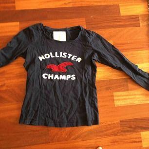 En väldigt snygg hollister champs tröja
