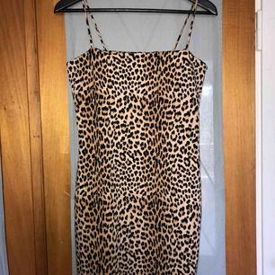 Helt ny klänning