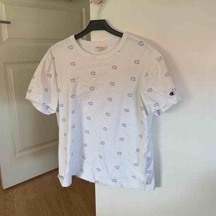 Champion t shirt använd någon gång
