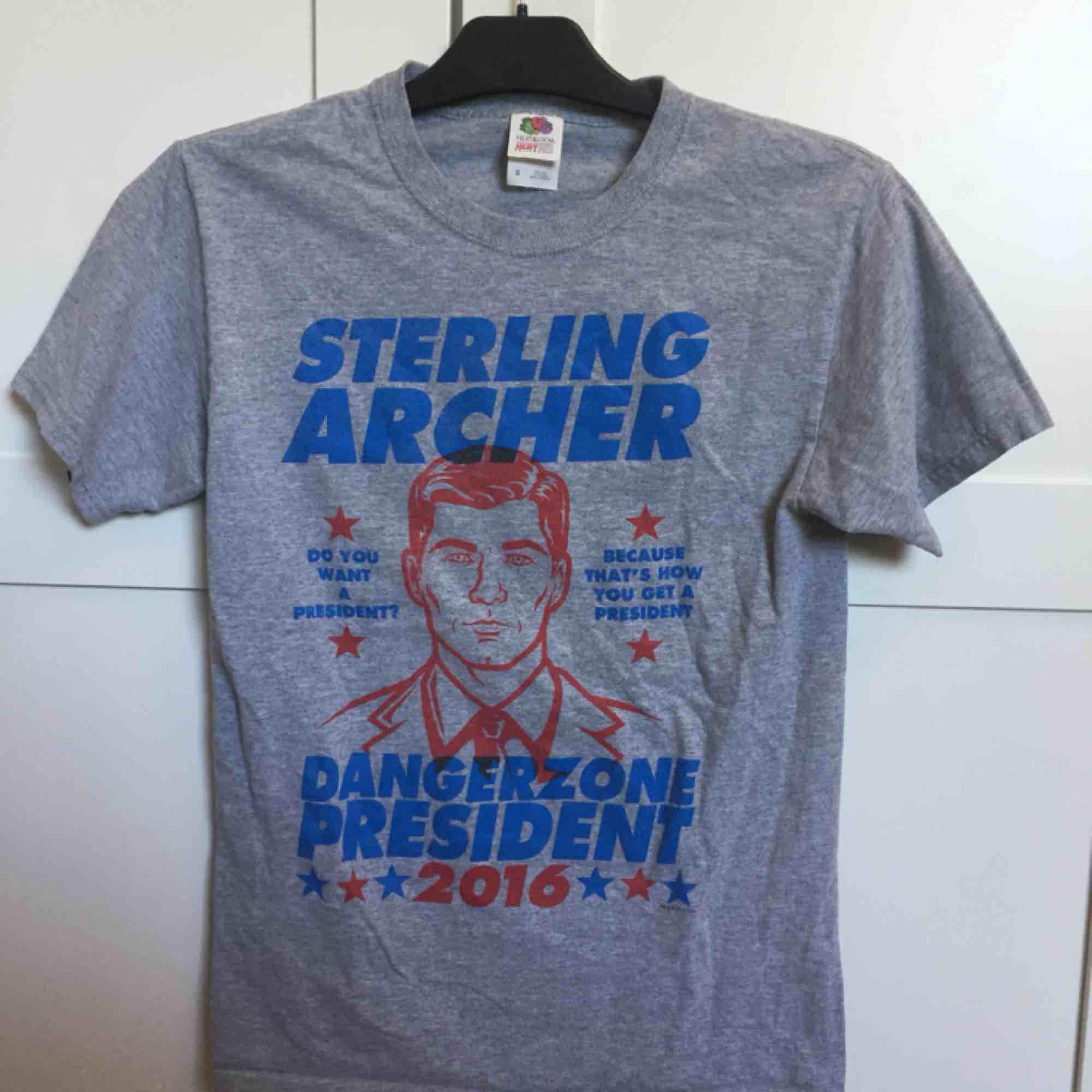 Använd 2 gånger, hel & fin. T-shirts.