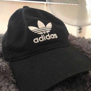 Keps från Adidas, aldrig använd