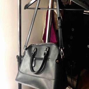 Marc New York cross body bag Color: black Great condition