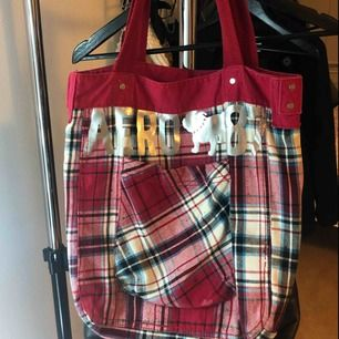 Aeropostale Tote bag Color: Red