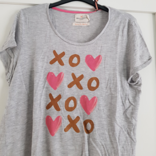 Söker T-shirt från Lindex Holly & Whyte storlek L /XL   Jag står för frakten