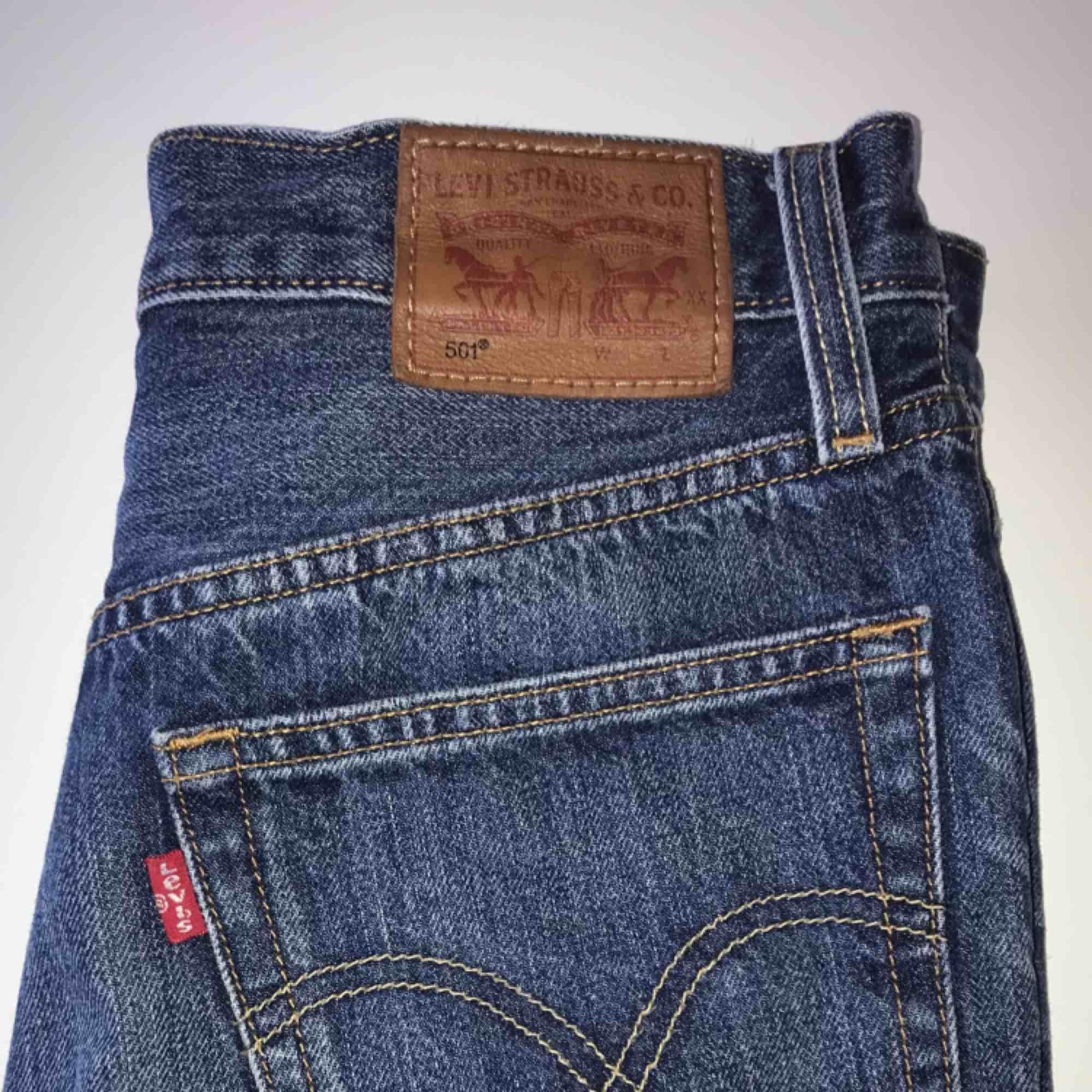 Mycket gott skick, knappt använda någonting. Säljer pga växt ur mina shorts. Priset är 300 kronor Köparen står för ev frakt  Köpt för 549 kronor. Shorts.