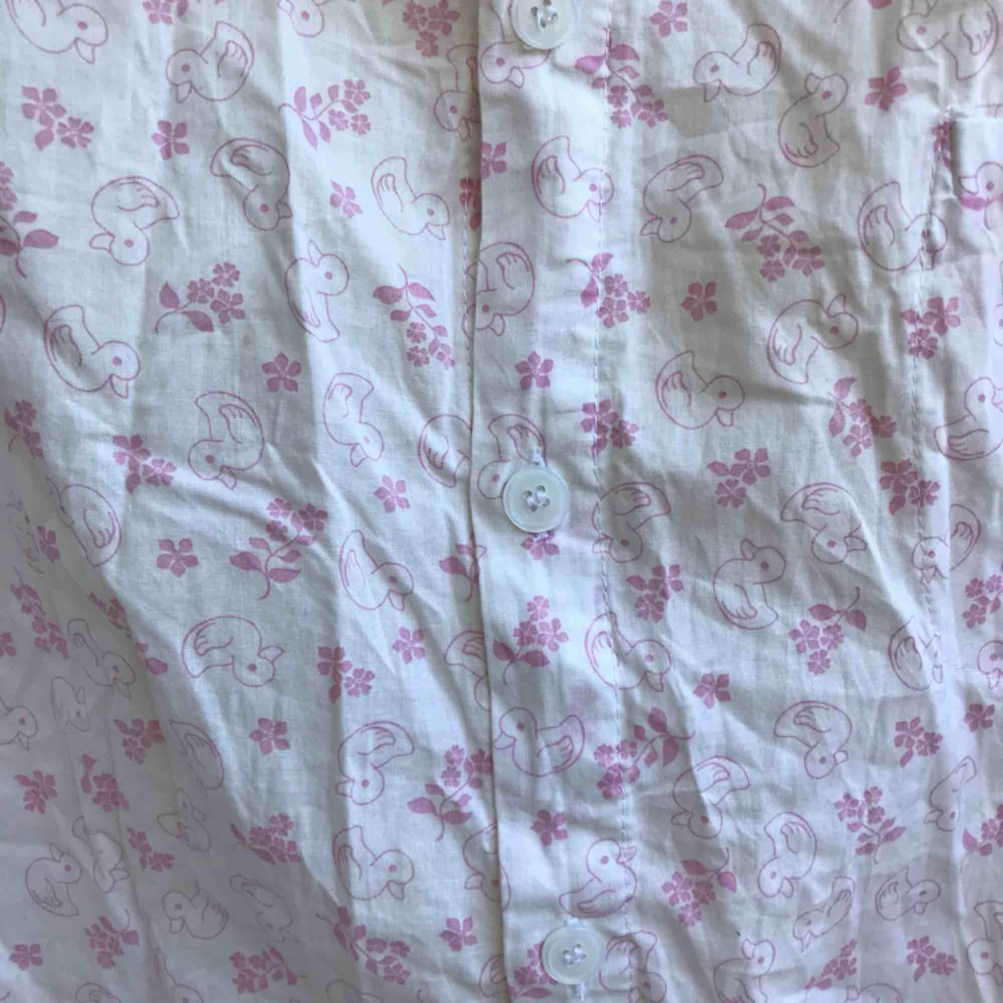 Snygg skjorta med ankor.. Skjortor.
