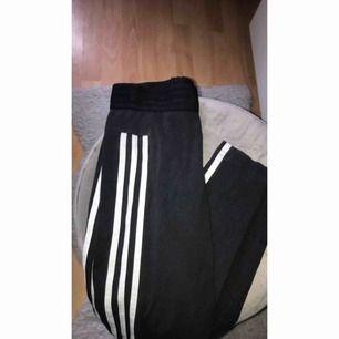 Adidas tights, Kontakta för mer bilder eller info, Betalning via swish :)