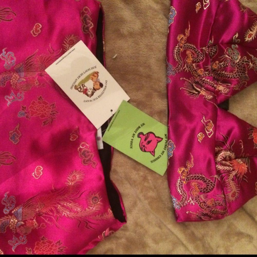 Populär kjol + top set från omighty. Ordinarie pris ca 900.Aldrig använt, pris exklusive frakt Kjolen i M dock väldigt liten passar snarare en S. Toppen i S, pm för att köpa en del seperat. Kjolar.