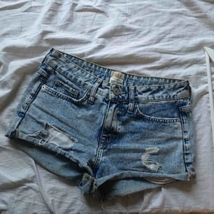 Shorts från river island  Frakt tillkommer..