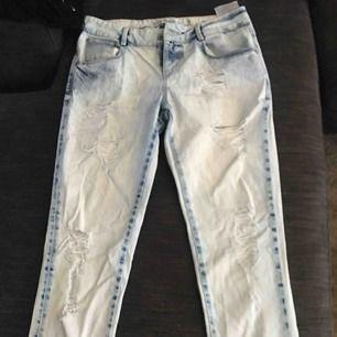 Helt oanvända jeans stl S 45kr + frakt