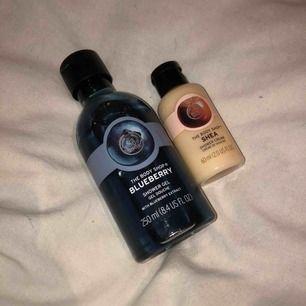 Duschtvålar från The body shop! Båda är oanvända. Nypris för den blåa är 70 kr, nypris för den andra är 60 kr. 35 kr för den blåa och 20 kr för den lilla. Eller båda för 50 kr
