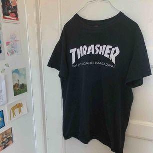 Vintage/retro t-shirt från Thrasher! Inköpt second hand på Beyond Retro. Storlek M ❤️💙
