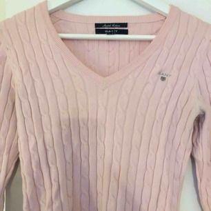 Gant tröja i rosa färg, frakt ingår! Pris kan diskuteras!
