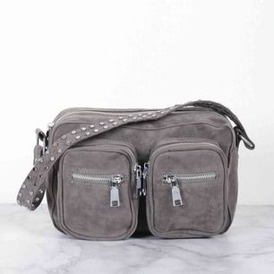 Noella väska, bra skick som ny nypris 699kr lila modellen.