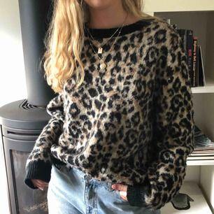 Cool tröja från Cubus. Passar även M och S som en oversize tröja. Skönt material. Köparen står för frakt👍🏼