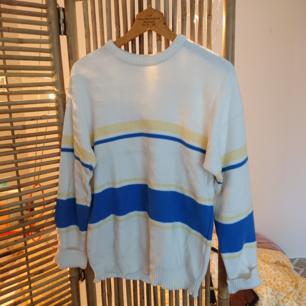 Vintage lagom tjock tröja i fint skick!