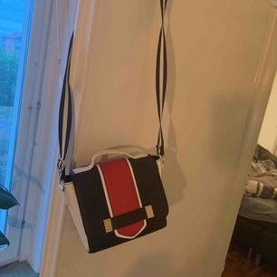 Aldrig använd väska !