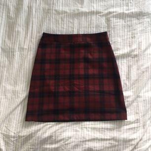 Snygg kjol från pull&bear! I perfekt skick ✨